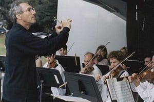 Charles Ansbacher conducting